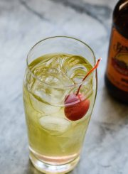 Apple Ginger Sparkle Cocktail Recipe | ahealthylifeforme.com