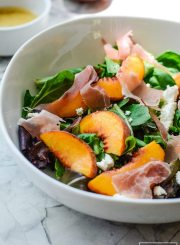 This Peach Prosciutto Mixed Green Salad is a light, sweet, and salty salad recipe | ahealthylifeforme.com