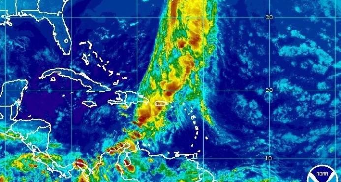 Onda tropical estaría sobre el país mañana