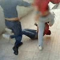 Video Chocante: Rapariga Espancada por Duas