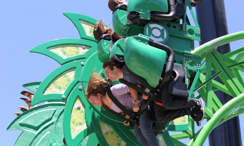 Six Flags Magic Mountain Green Lantern ZacSpin Intamin 01 Green Lantern: First Flight   Der turbulente erste Flug eines Superhelden