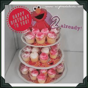 #aisforadelaide #elmo #cupcakes