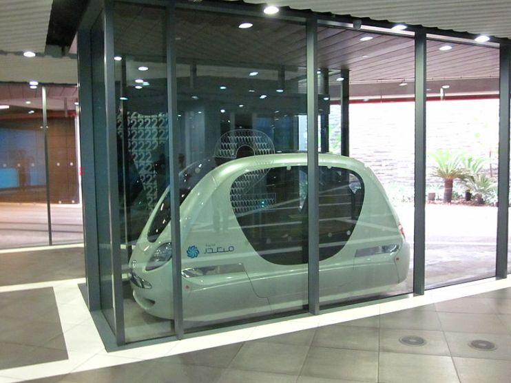 Personal rapid transit podcar, Masdar City. Credit: Wikipedia commons
