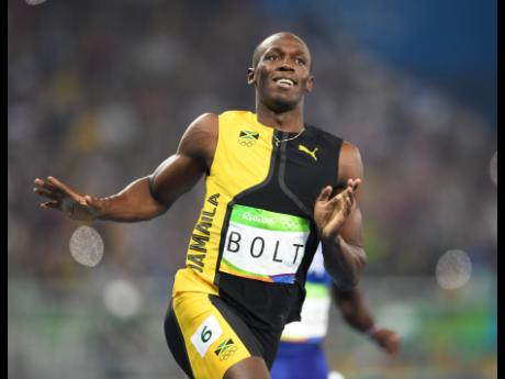 Usain Bolt crusing to Gold in 100m