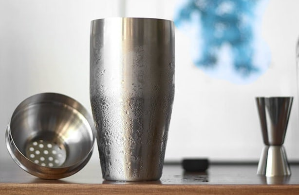 cocktail shaker with its extra pieces