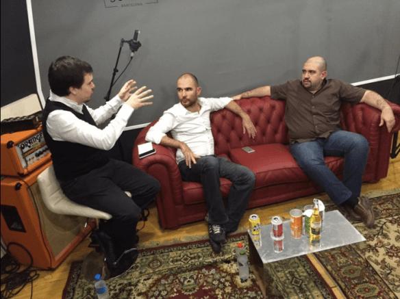 AKB Live, con Isaac Viana