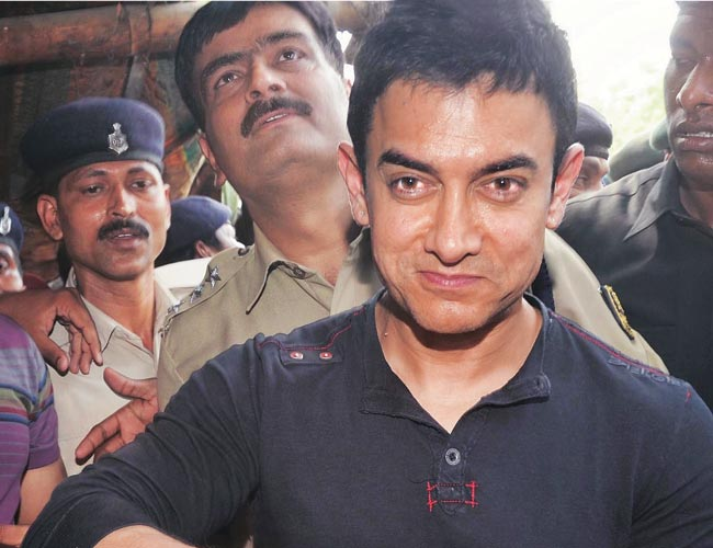 Aamir s Bhojpuri speaking role may pave way for constitutional     Aamir Khan relished litti chokha  a Bihari delicacy  in Patna during an  earlier visit