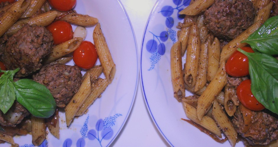 Penne Pasta with super tasty meatballs