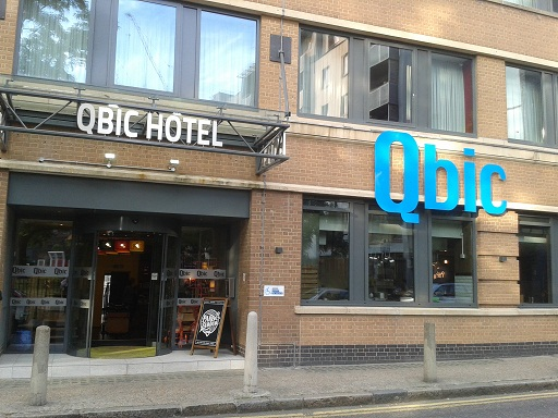 Qbic hotel london city friendly fun hotel on a budget for Boutique hotels just outside london