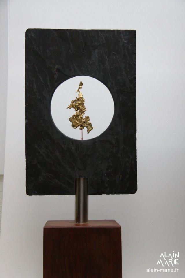 INTUITION, schiste et bronze doré H.48.5 larg 20 cm