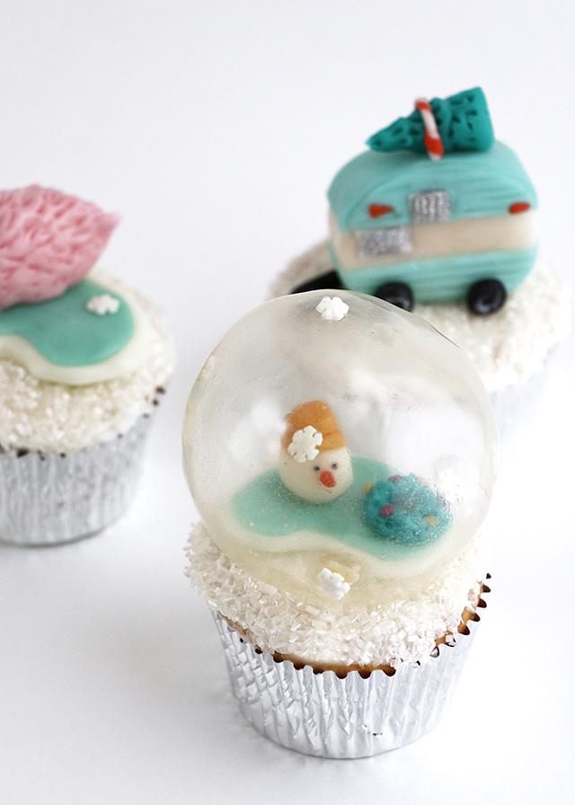 Snowman Snow Globe Cupcake