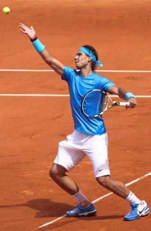 800px-Rafael_Nadal_2011_Roland_Garros_2011