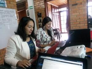 Mildred Ortiz y Diana Lizeth Lopez, equipo de comunicaciones