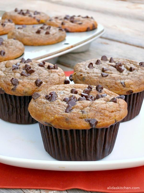 Pumpkin Chocolate Chip Muffins | alidaskitchen.com