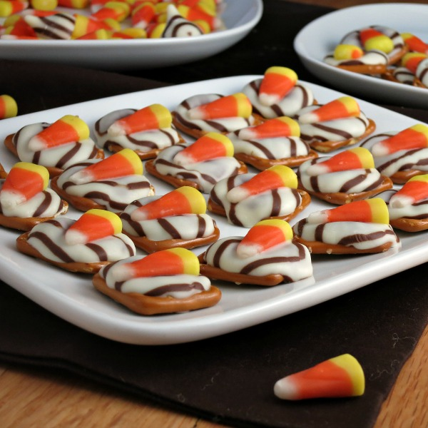 Candy Corn White Chocolate Pretzels | alidaskitchen.com