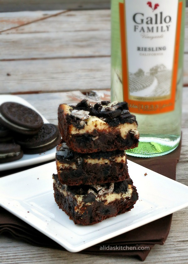 Cookies and Cream Cheesecake Brownies   alidaskitchen.com #recipes #brownies #SundaySupper