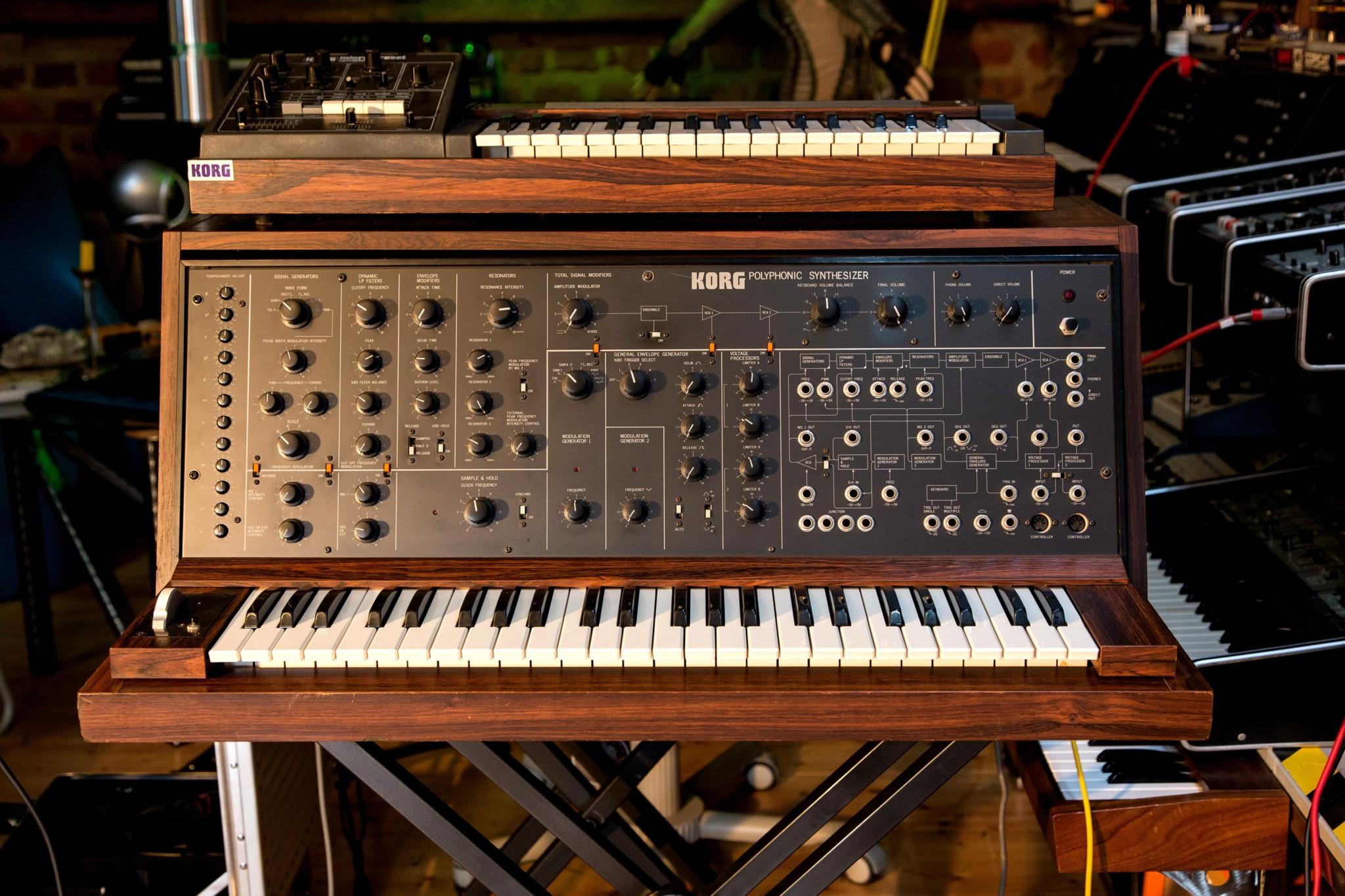 Big Modular Synth 028