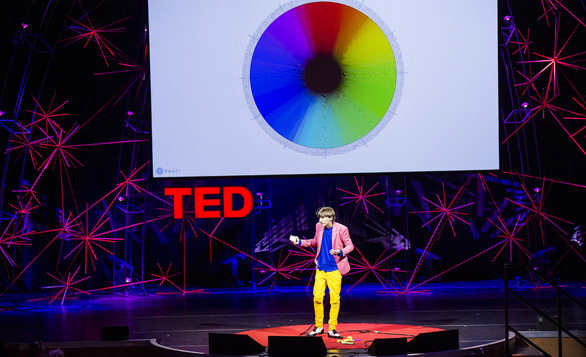 neil-harbisson-at-tedglobal-2012