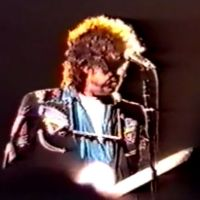 Feb 5: Bob Dylan performing Just Like A Woman @ London - 1990
