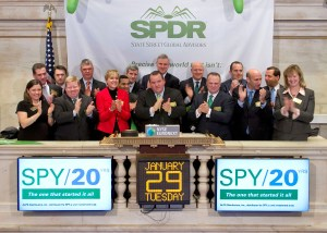 NEW YORK, NY - JANUARY 29:  Jim Ross, global head of SPDR Exchange Traded Funds at State Street Global Advisors (SSgA) rings the Closing Bell at the New York Stock Exchange on January 29, 2013 in New York City.  (Photo by Ben HiderNYSE Euronext)