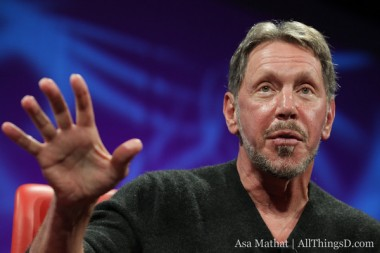 larry_ellison-hand