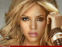 Most Popular Female Singers in 2014 : Shakira