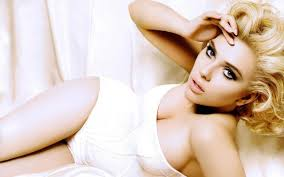 Scarlett Johansson - 6th popular Hollywood actress