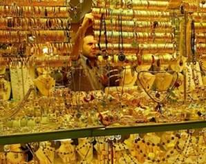 توقعات باختراق أسعار الذهب حاجز 1400 دولار مطلع 2017