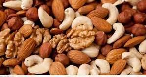 القيم الغذائية في الفواكه المجفّفة والمكسرات