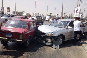 مصرع شخص وإصابة 2 فى تصادم سيارتين أعلى كوبرى 15 مايو وظهور كثافات مرورية