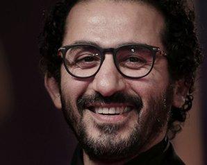 تكريم حسن حسنى فى مهرجان القاهرة وتهنئة احمد حلمى له