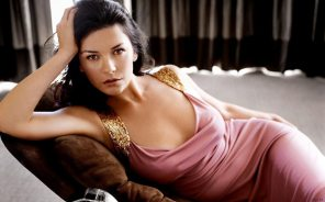 catherine-zeta-jones-hot-sizzling-photo