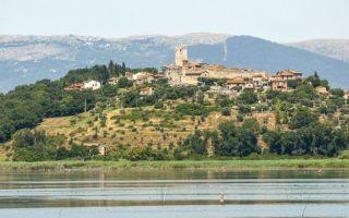 مصرع 30 شخصا بفندق طمسه جرف ثلجي في إيطاليا