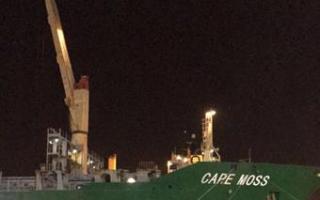 """""""الموانئ"""": استمرار الأعمال بميناء الشويخ ولا خسائر من توقف الرافعات الجسرية"""