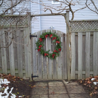 The finished Christmas wreath.