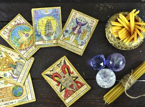 5 Ways to Connect with the Tarot for Personal Development