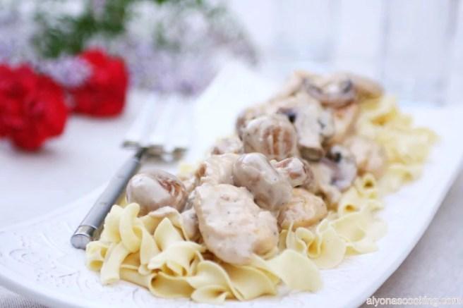creamy-mushroom-sauce-noodles-