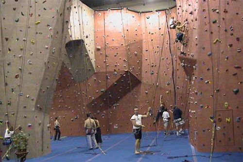 indoor-rock-climbing-1a