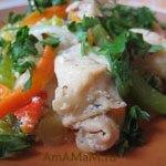 Кусочки курицы жареные с овощами (перец, морковь, лук)