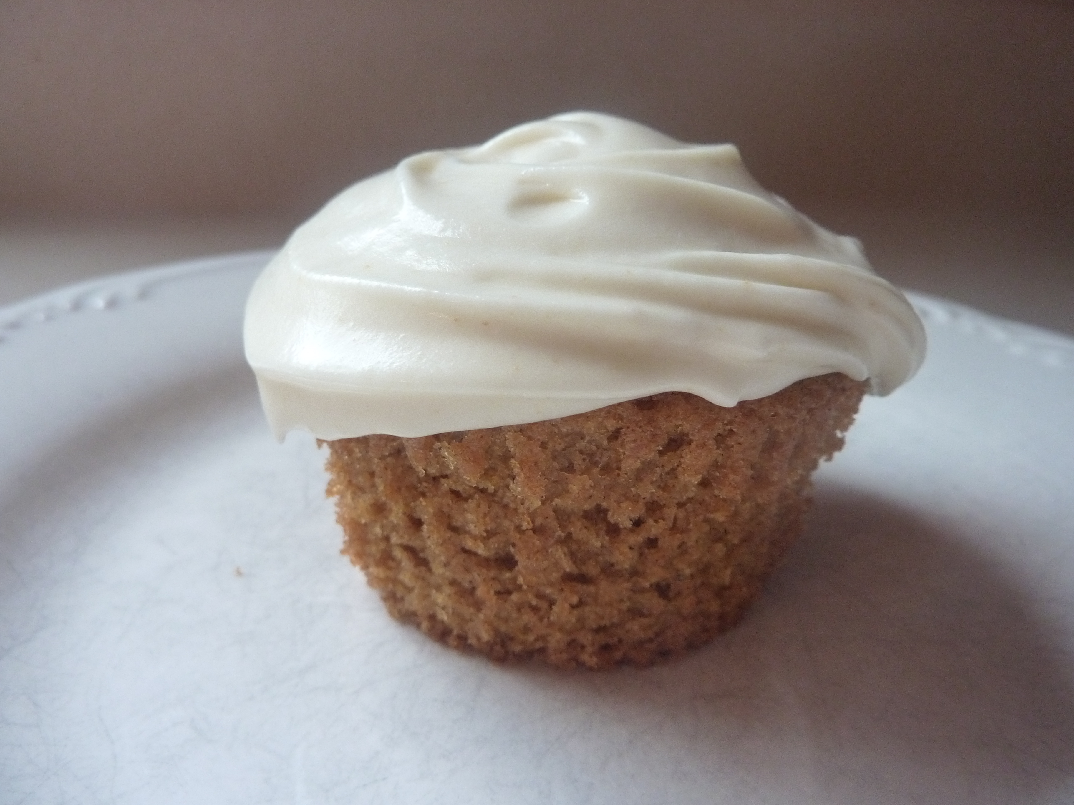 Pumpkin Ginger Cupcakes With Ginger Cream Cheese Frosting ...