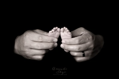 Amanda Skye photography, newborn photography, OC newborn photographer, Orange County newborn photography, close up of newborn toes