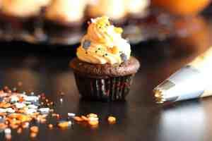chocolate, pumpkin and chocolate, halloween cupcakes