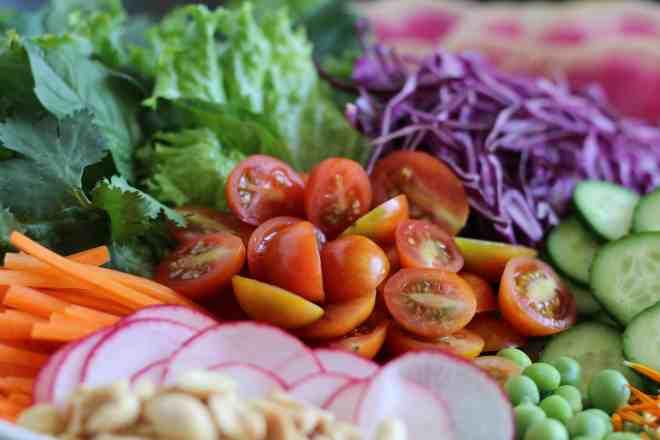 vietnamese salad with peanut dressing