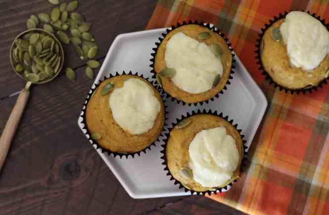 starbucks copycat pumpkin muffins, pumpkin spice cream cheese muffins