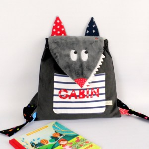 sac-a-dos-personnalise-loup-sac-personnalise-enfant-ecole-cartable-personnalisable-prenom-gabin-rouge-gris-marin-wolf-backpack-personalized-name