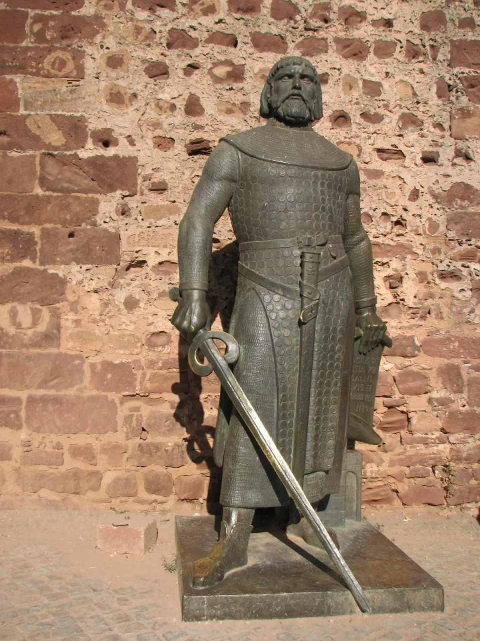 Estátua de S. Sancho I