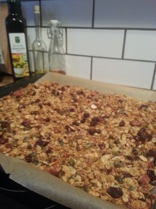 granola - remember to let it cool completely before putting it into a storage container !
