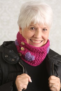 Hearts-and-Kisses-Cowl