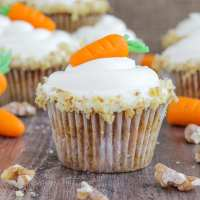 Carrot Cake Cupcakes {Cream Cheese Frosting}
