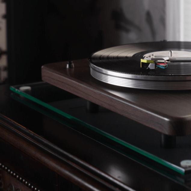 VPI Launches Entry-Level Cliffwood Turntable, Actually Made in Cliffwood NJ